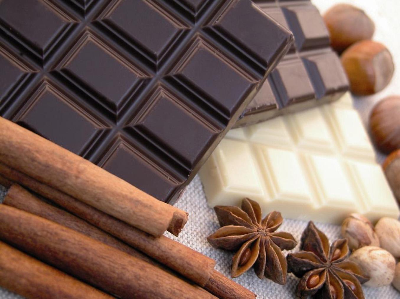 black_chocolates_white_chocolates_and_milk_chocolates