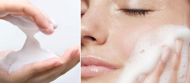 sua-rua-mat-danh-cho-da-kho-Aloe-Vera-Sensitive-Cleansing-Milk-b